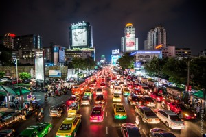 night-traffic-bangkok-e1388401429637