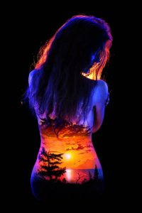 John-Poppleton-body-painting-black-light-16